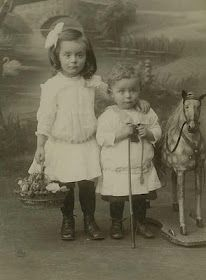 Primarily Primitives by abigailes_mommy: Sweet Vintage Children Photos