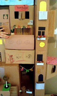 Nessa Dee: The Box House - super, amazing, creative, enormous box house!