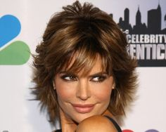 """Lisa Rinna continues to wow us with her style and personality till date.Read More """"Lisa Rinna Hairstyles"""" Short Sassy Haircuts, Short Shag Hairstyles, Short Hairstyles For Women, Cool Hairstyles, Bob Haircuts, Hairstyles 2018, Wedding Hairstyles, Scene Hairstyles, Gorgeous Hairstyles"""