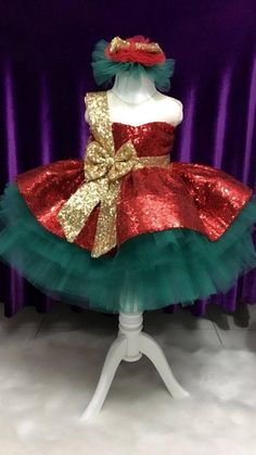 Red Green and Gold Pageant Dress Christmas Dress Baby Girl Dresses, Baby Dress, The Dress, Flower Girl Dresses, Dress Red, Girl Tutu, Christmas Pageant, Christmas Costumes, Christmas Clothes