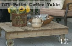 DIY Pallet Coffee table - need to have a couple of these handy for late nights on the patio!
