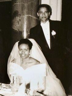 Foto la boda de Barack y Michelle Obama, 03 de octubre de 1992.
