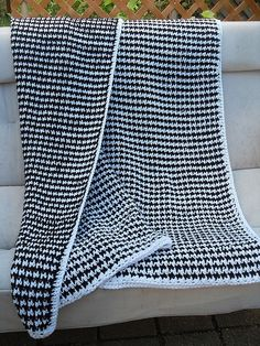 """Houndstooth Blanket, crocheted by knotalot from the *free* """"Houndstooth Pet Scarf"""" pattern by Claire Ortega (pattern link on Ravelry page).  The pet scarf is pretty cute, too :-)  Easy pattern worked with SC & DC.  #crochet #afghan #throw"""