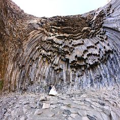 See one of the world's coolest rock formations at Armenia's Symphony of Stones, a complex natural structure made of basalt rock on the side of Garni Gorge. Nature Images, Nature Pictures, Basalt Rock, Natural Structures, Giant Tree, Cool Rocks, Ancient Mysteries, Science And Nature, Places Around The World
