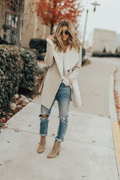 Fall street style // comfy outfits // suede booties // easy neutrals