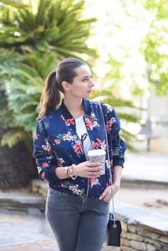 How to style the floral bomber jacket on Houseofcomil.com. Click to discover this jacket currently below $25, read more or pin to save for later.