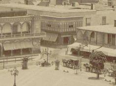 Casona demolida en 1940s para la apertura de la Plaza Pizarro. Foto de E. Garreaud, 1877.  Fuente: Lima la Unica