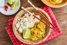 Thai garnélás curry | Street Kitchen Curry, Kitchen, Street, Food, Cilantro, Curries, Cooking, Kitchens, Essen
