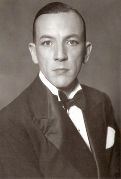 Sir. Noel Coward, 1920s. English Playwright, composer and director. Classic wit, with highly stylised delivery, like I imagine Oscar Wilde.