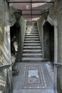 Diurno Venezia, the abandoned public baths below the streets of Milan.