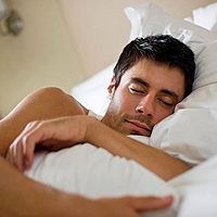 From what you eat to how you sleep, your habits play a role in nighttime heartburn. Here's how to replace heartburn symptoms with sweet dreams. Cauda Equina, Heartburn Symptoms, Heartburn Relief, Diabetes, What Causes Sleep Apnea, Sleep Apnea Remedies, Ankylosing Spondylitis, Autoimmune Disease, Sleep
