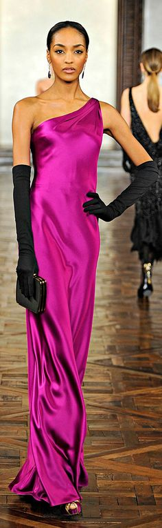 ✪ Ralph Lauren - Ready-to-Wear - Fall-Winter - Elegant Long Fuchsia Gown, with Long Black Gloves Magenta, Runway Fashion, High Fashion, Ralph Lauren Style, Mode Chic, Beautiful Gowns, Elie Saab, Dress To Impress, Ball Gowns