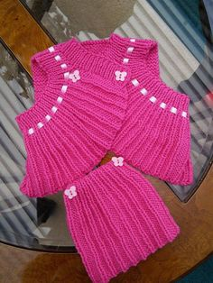 Hey, I found this really awesome Etsy listing at https://www.etsy.com/uk/listing/256075006/hand-knitted-baby-top-reborn-baby-outfit