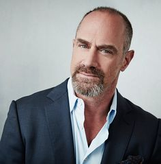 Why Christopher Meloni's Twitter Feed Is Full of Beard Selfies