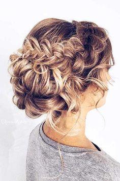 23. Frisur mit Zöpfen für langes Haar