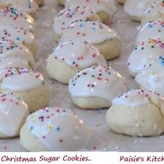 Italian Anisette Cookies - Amanda's Cookin' c. butter or margarine c. granulated sugar 4 eggs 3 c. all-purpose flour 5 tsp. anise extract (can use vanilla or lemon extract instead) Anisette Cookie Recipe, Italian Anisette Cookies, Italian Cookies, Sugar Cookies Recipe, Christmas Sugar Cookie Recipe, Italian Christmas Cookies, Cookie Desserts, Cookie Recipes, Dessert Recipes