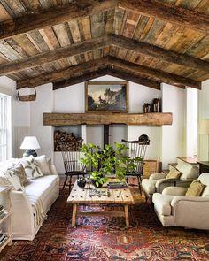 Farmhouse Interior, Farmhouse Design, Home Interior, Interior Design, Rustic Farmhouse, Eclectic Design, Interior Plants, Farmhouse Homes, Farmhouse Ideas