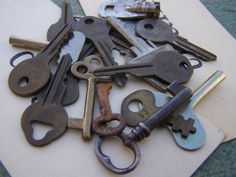Vintage/Antique  Group of OLD Keys  Nice Variety by ShaneLilyRain