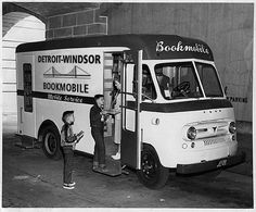 Detroit-Windsor bookmobile.