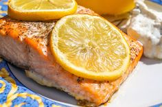 Got a vitamin D defiency? Discover how lounging mindfully in the warmth of the summer sunshine and eating vitamin D-rich foods can help. Healthy Kids, Healthy Eating, Healthy Recipes, Vitamin D Rich Food, Tomato And Cheese, C'est Bon, Food Menu, Nutrition Tips, No Cook Meals