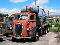 Old Concrete mixer maybe Autocar?