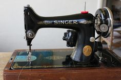 Vintage Singer Sewing Machine Blog ~ all you ever wanted to know about your old sewing machine.