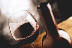 Love a good bottle of Cabernet Franc or Pinot Noir? Then you definitely should be drinking this deliciously earthy, indigenous Spanish varietal. Bar Drinks, Alcoholic Drinks, Beverages, Calgary Restaurants, Wine Education, Wine Deals, Expensive Wine, Cheap Wine, Pinot Noir