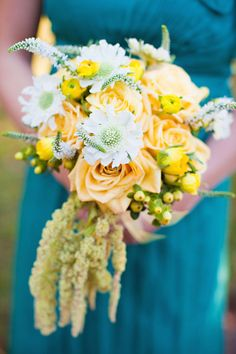 love the whimsical bouquet w/ white & yellow (less apricot)- ESP with the teal dress
