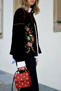 More on www.offwhiteswan.com Prefall Look, Trend 2016 Velvet, Velvet Jacket with Embroidery Flowers by Zara, White Blouse by H&M Trend, Plissee Culottes by H&M Trend, Red Mini Bag with Insects by Zara, Sneaker Adidas Tubular Viral, Herbstlook #offwhiteswan #swantjesoemmer Style Outfits, Fall Outfits, Fashion Outfits, Womens Fashion, H&m Trends, 2016 Trends, Adidas Tubular Viral, Zara, Velvet Fashion