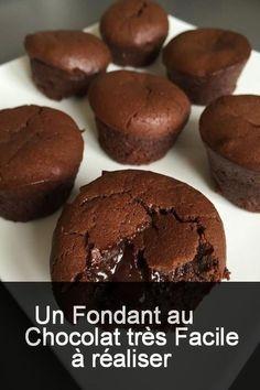 Un fondant au chocolat très facile à réaliser #Chocolat #Facile #Tresfacile Cake Recipes, Dessert Recipes, Desserts With Biscuits, Pastel, Love Chocolate, Arabic Food, No Cook Meals, Deserts, Food Porn