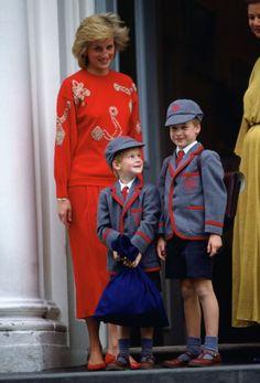 Lady Di e seus filhos pequenos
