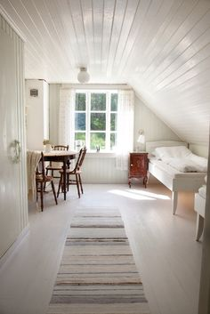 Are you a homeowner looking for a way to create an escape space for yourself in the comfort of your own home? Attic Renovation, Attic Remodel, Escape Space, Attic Bedrooms, Loft Room, Secret Rooms, Attic Spaces, Cheap Home Decor, Living Spaces
