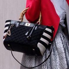 """Il Designer: V°73 """"Fill me up with life"""": riempimi di vita! La borsa diventa contenitore del quotidiano. Questo è il messaggio che il marchio Made in Italy V°73 vuole trasmettere."""