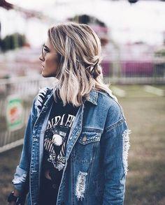 distressed denim jacket and black tee. Girl Outfits Tumblr, Amo Jeans, Fashion Beauty, Womens Fashion, Fashion Trends, 90s Fashion, Street Fashion, Luxury Fashion, Tumbrl Girls