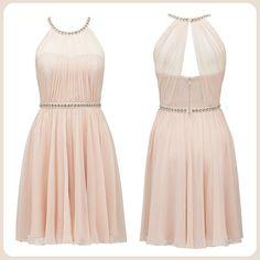 Taşlarla bezeli pudra rengi elbise özel günler için joker parçanız olacak. http://www.forevernew.com.tr/elbise/drcz3833-jaynie-elbisechampagne-blush_487_34628