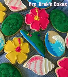 Cookie Decorating How to make pretty hibiscus cookies Cookie