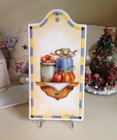 il Decoro di Luisella Nava Tagliere porcellana dipinto a mano