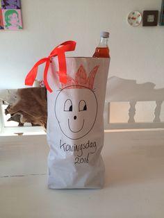 Koningsdagcadeautje Paper Shopping Bag, Bags, Home Decor, Handbags, Decoration Home, Room Decor, Home Interior Design, Bag, Home Decoration