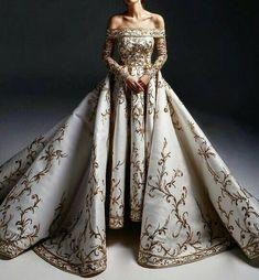 Pretty Outfits, Pretty Dresses, Evening Dresses, Prom Dresses, Ball Gowns Prom, Fantasy Gowns, Fantasy Names, Fantasy Outfits, Fantasy Girl