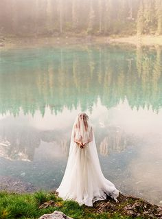darya kamalova thecablookfotolab russian destination wedding photographer in italy fine art film photographer liguria arenzano lago di carezza dolomiti pronovias sibo design dream wedding-20