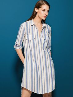 Women´s Dresses at Massimo Dutti online. Enter now and view our Spring Summer 2019 Dresses collection. Shirtdress Outfit, Blouse Dress, Dress Skirt, Simple Outfits, Simple Dresses, Casual Dresses, Casual Outfits, Kaftan Designs, Striped Shirt Dress