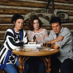 Lara Flynn Boyle, James Marshall and Sheryl Lee in Twin Peaks (1990.