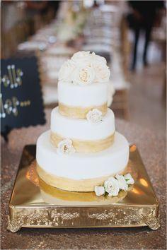 gold cake @weddingchicks
