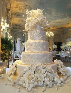 Wedding Cake Recipes CT best wedding cakes and celebration cakes by renowned sugar artist Ana Parzych - Connecticut, New York City, Westchester NY, Newport RI, MA Large Wedding Cakes, Extravagant Wedding Cakes, Luxury Wedding Cake, White Wedding Cakes, Wedding Cakes With Flowers, Elegant Wedding Cakes, Beautiful Wedding Cakes, Gorgeous Cakes, Wedding Cake Designs