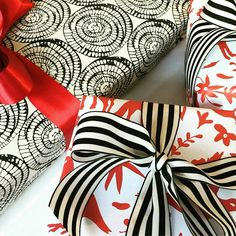 Branco preto e vermelho @shingdigpaperie