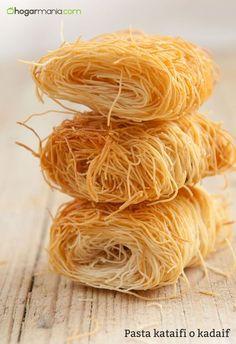 La pasta kataifi es una masa muy utilizada en la repostería de Oriente Medio, Grecia y Turquía. Te contamos cómo cocinarla y dónde comprarla.