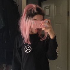 pink hair bc i want them Schmeichelhafte 85 Pastellrosa-Haar-Ideen How To Deal With Hair Growth? Dye My Hair, New Hair, Hair Inspo, Hair Inspiration, Pastel Pink Hair, Pink Short Hair, Dyed Hair Pink, Short Dyed Hair, Hair Color Pink