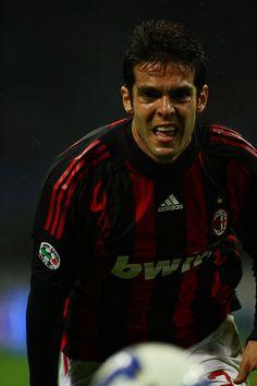 Kaká - Jogador de Futebol que atua como meia
