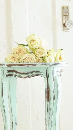 Today I wanted to show you how to distress furniture using vinegar. I was recently contacted by Heirloom Traditions to try there new line of paints.