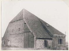Boerderij Voorweg 36, Heemskerk in 1979. Holland, Old Farm Houses, The Province, Netherlands, Dutch, Om, Old Things, Barn, Farmhouse